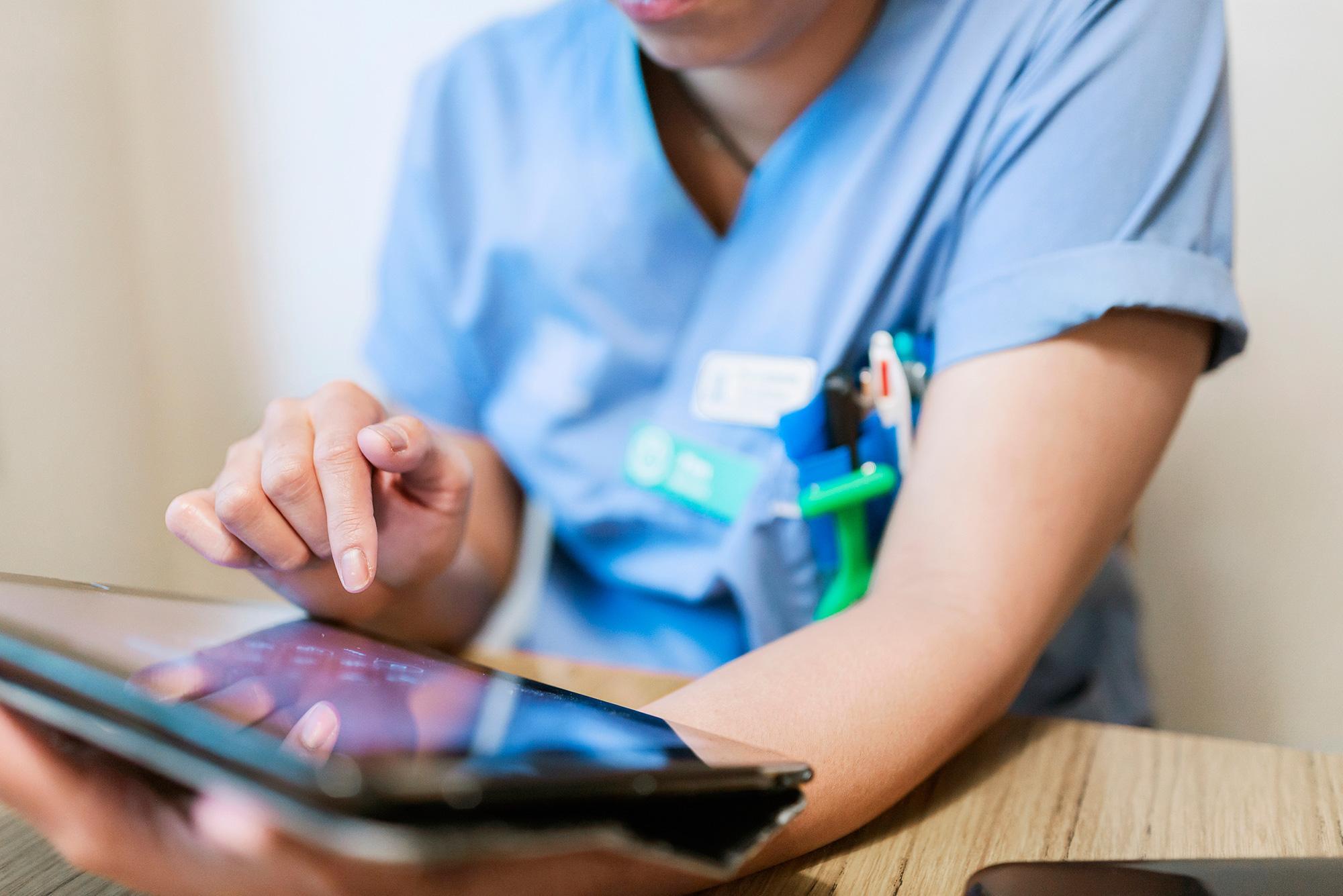Laptop-sjuksköterska