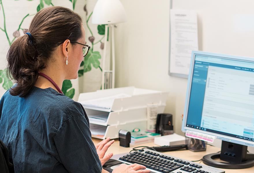 doctrin-vårdpersonal-minskad-adminstration-kortare-vårdköer-liggande